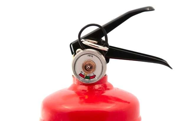Extintor é um dos itens no carro para checar