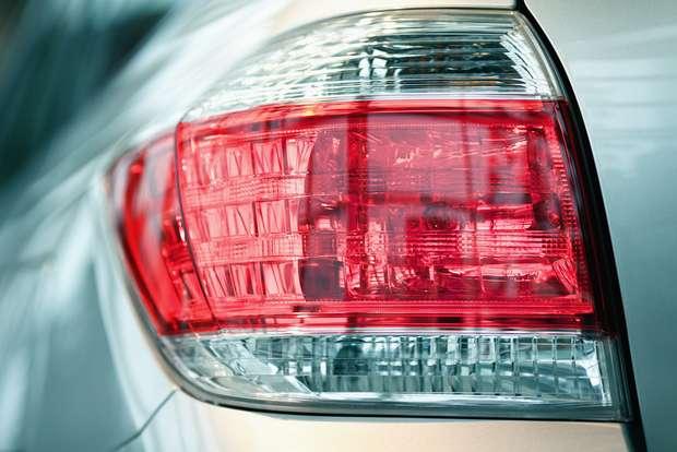 Luzes é um dos itens no carro para checar