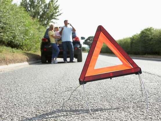 Itens de emergencia são alguns dos itens no carro para checar