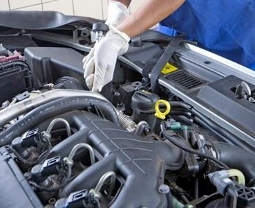 Regular as válvulas do carro para inspeção