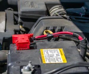 Com que frequência devo trocar a bateria do carro